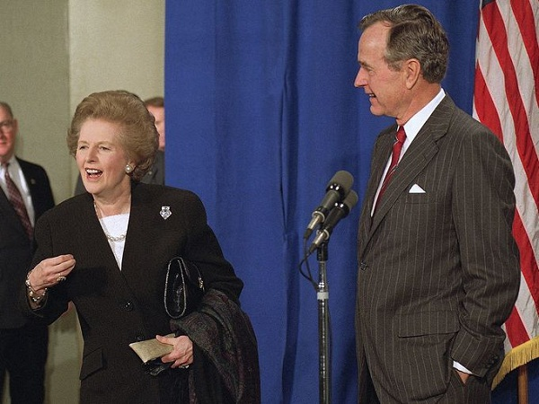 Bà Margaret Thatcher và cựu Tổng thống Mỹ George Bush.