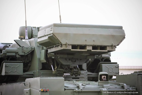 Ngày 16 tháng 11 năm 2012, Tổng thống Nga Dmitry Medvedev chính thức ký quyết định đưa Pantsir-S1 vào trang bị trong quân đội Nga.