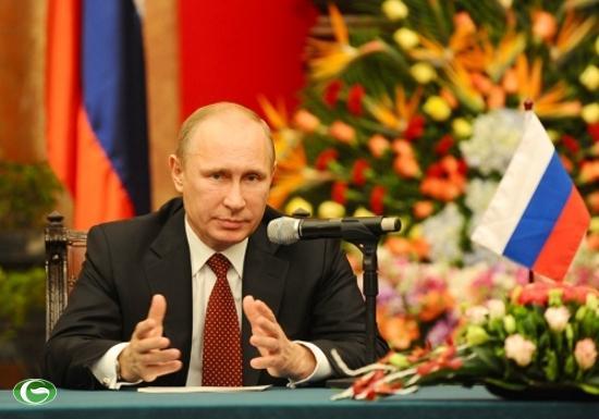 Ông Putin trong lễ ký kết hợp tác quốc phòng giữa Việt Nam và LB Nga