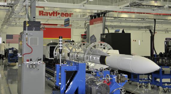Hải quân Mỹ ký hợp đồng mua 89 siêu tên lửa SM-6.