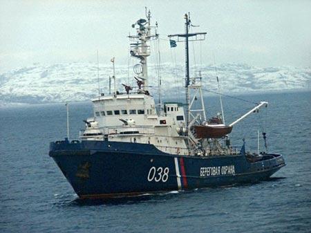 Tàu Cảnh sát biển Nga Dzerzhinsky nổ súng vào 2 tàu cá Trung Quốc xâm phạm lãnh hải và ngang nhiên hoạt động bất chấp cảnh báo