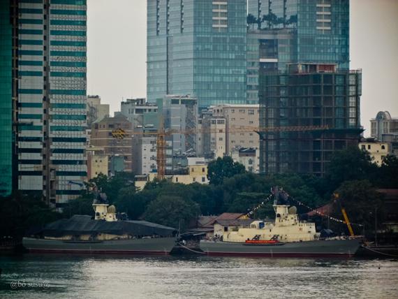 Hai tàu tên lửa dự án 12418 do Việt Nam đóng với sự giúp đỡ của Nga được hạ thủy tại Ba Son.