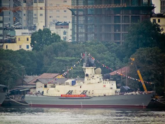 Hai tàu tên lửa cao tốc Molnya được hạ thủy tại Ba Son