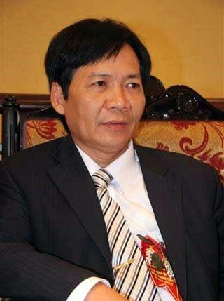 Thầy Cao Xuân Hùng - Hiệu trưởng trường THPT chuyên Lê Hồng Phong, Nam Định.