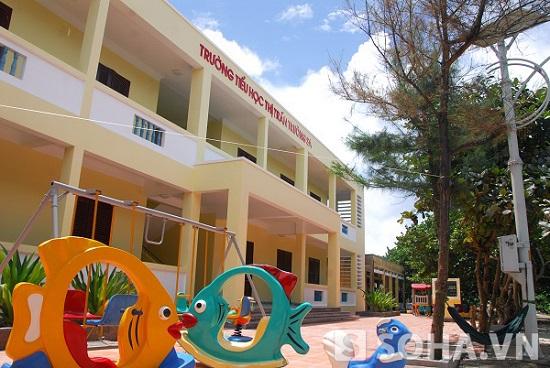 Trường tiểu học Trường Sa vừa được khánh thành tháng 4/2013
