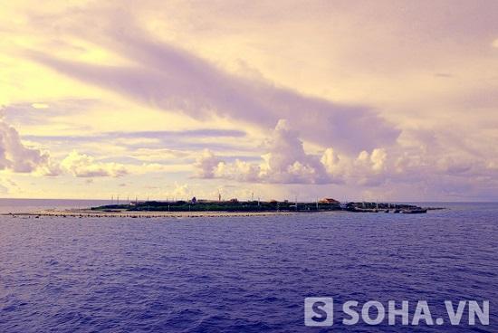 Bình minh trên đảo Trường Sa Lớn