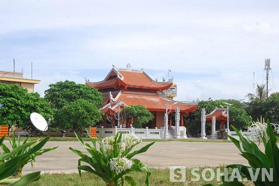 Nhà tưởng niệm Bác Hồ trên đảo Trường Sa Lớn. Ảnh: Trọng Thiết