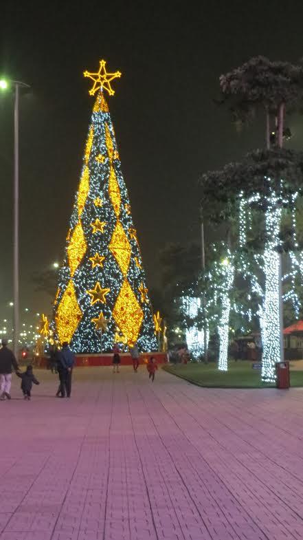 Cây thông Noel tại Vincom, Long Biên