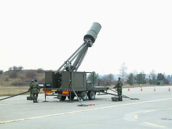 Hệ thống trinh sát điện tử thụ động Vera do CH Séc sản xuất cùng với Kolchuga là những hệ thống bắt máy bay tàng hình tốt nhất hiện nay. Tầm trinh sát của hệ thống không dưới 450km, số lượng mục tiêu phát hiện cùng lúc từ 70-100 mục tiêu.