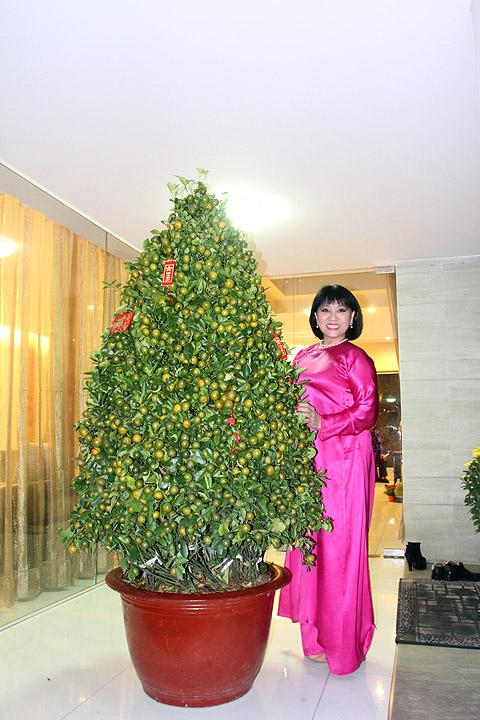 Bữa tất niên, Cẩm Vân, Khắc Triệu