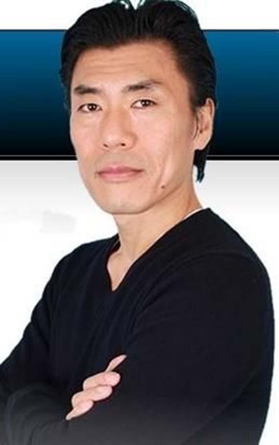 Masahiro Tabuchi cho biết trước khi đến với nghề này anh đã từng làm ở ngân  hàng. Tuy vậy, một bước ngoặt lớn đã đến với anh.