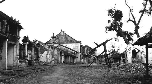 Thành phố Lào Cai bị tàn phá (Theo nguồn diễn dàn vnmiliraryhistory.net)