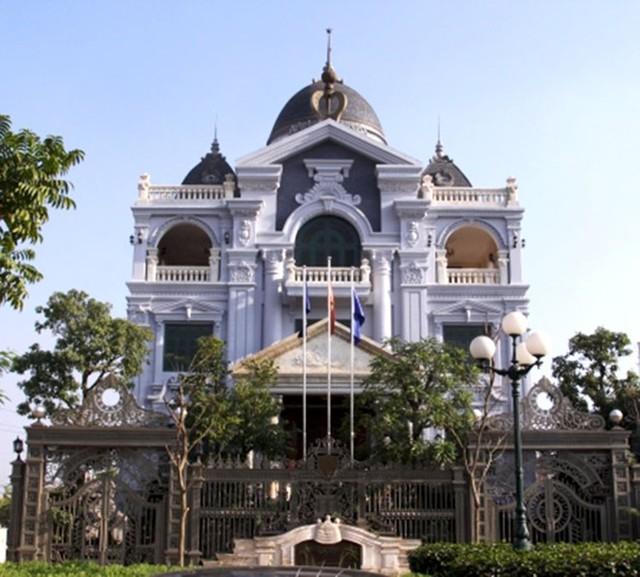 Lóa mắt với những dinh thự triệu đô của đại gia Việt - Ảnh 4.