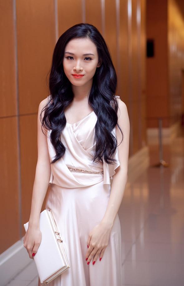 Hoa hậu Trương Hồ Phương Nga từng xinh đẹp như thế - Ảnh 6.