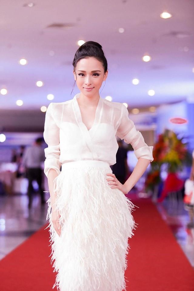 Hoa hậu Trương Hồ Phương Nga từng xinh đẹp như thế - Ảnh 7.