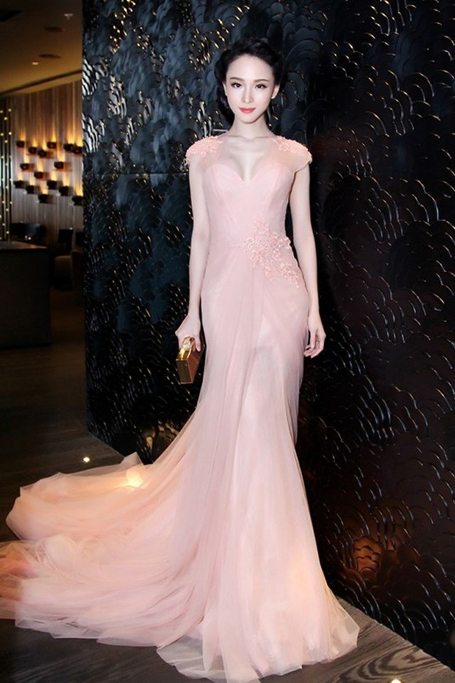 Hoa hậu Trương Hồ Phương Nga từng xinh đẹp như thế - Ảnh 10.