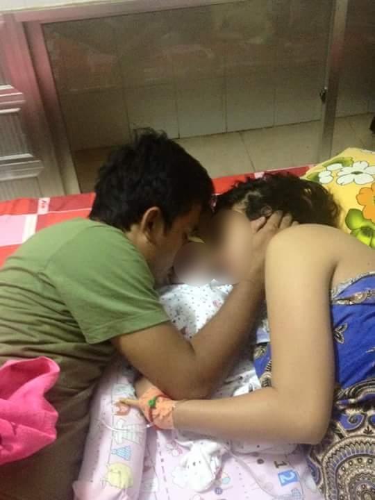 Cạn khô nước mắt, bố mẹ nằm vuốt ve tấm thân con lạnh ngắt - Ảnh 2.