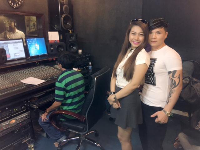 Huỳnh Mi cùng dàn nghệ sĩ nổi tiếng hát vì Miền Trung - Ảnh 2.