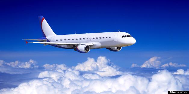 Rơi khỏi máy bay ở độ cao 10.000m mà vẫn sống: Bí mật khiến nhiều người phải sốc! - Ảnh 1.