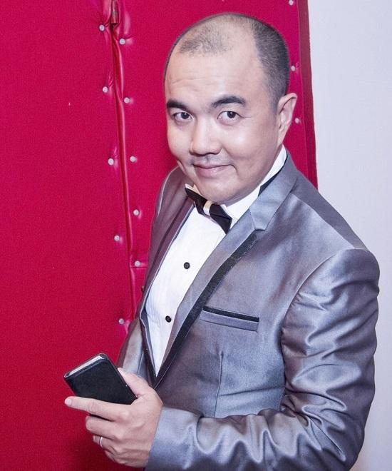 Diễn viên Quốc Thuận: Ba mất, tôi phải mượn tiền đưa xác về quê! - Ảnh 3.
