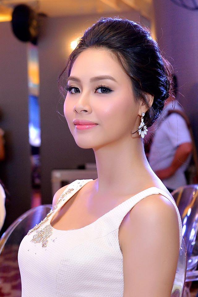 Hoa hậu Biển bị chê xấu hoàn toàn lột xác sau 5 tháng đăng quang - Ảnh 8.