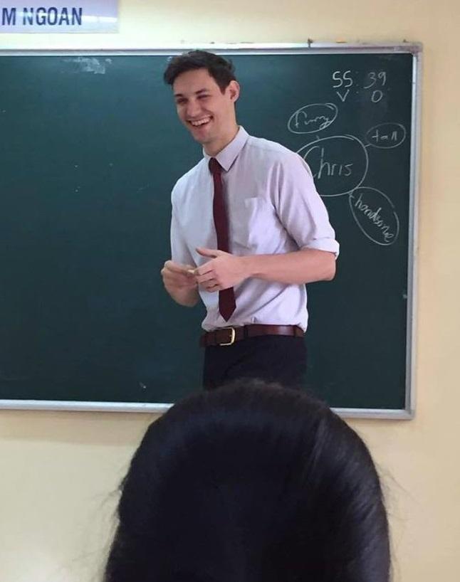 Học sinh nào ở Hà Nội cũng muốn được học tiết của thầy giáo này - Ảnh 1.