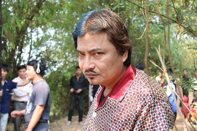 Chân dung nghệ sĩ nổi tiếng có nụ cười đểu nhất Việt Nam - Ảnh 2.