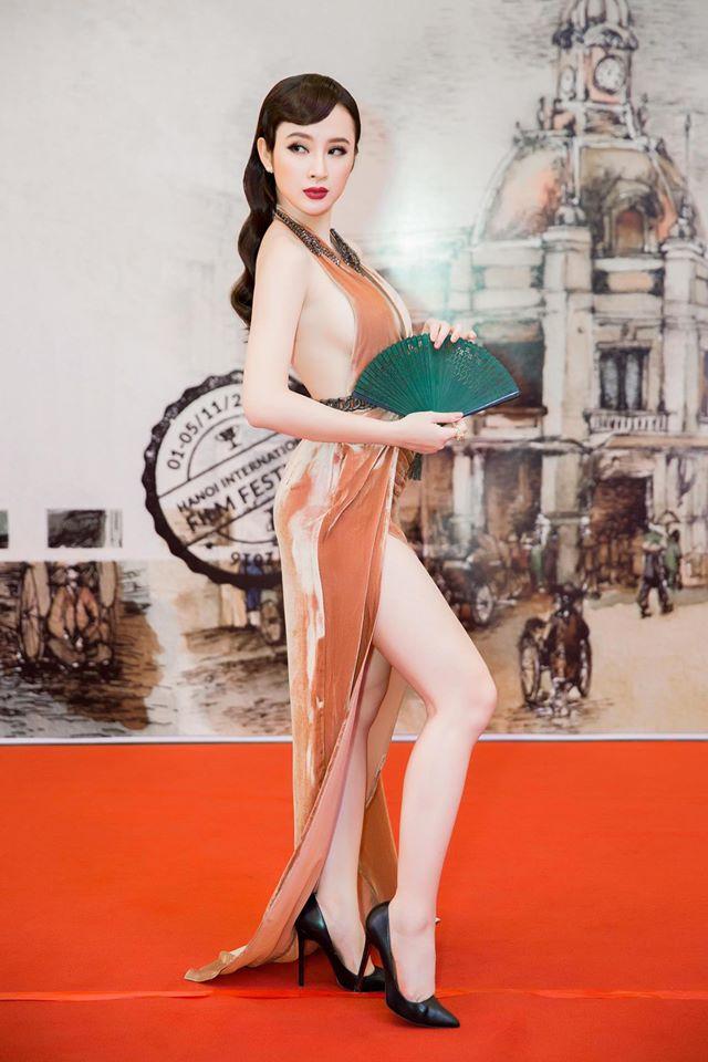 Angela Phương Trinh bị nhân viên an ninh mời khỏi thảm đỏ vì lý do ý nhị - Ảnh 2.