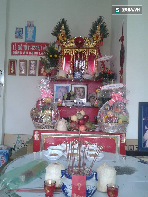 Cận cảnh tiệc giỗ Tổ của nghệ sĩ nghèo trong showbiz Việt - Ảnh 1.