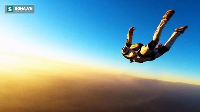 Rơi khỏi máy bay ở độ cao 10.000m mà vẫn sống: Bí mật khiến nhiều người phải sốc! - Ảnh 2.