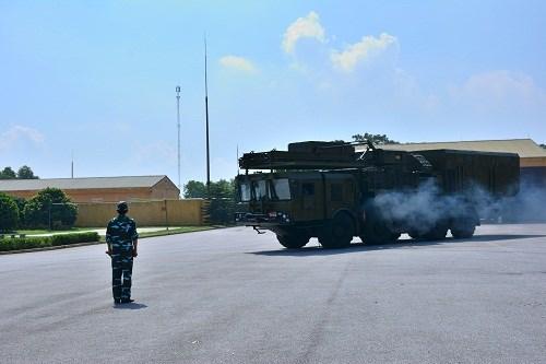 Học viên lớp tập huấn báo chí toàn quân khóa 10 thăm Trung đoàn 64 - Ảnh 3.