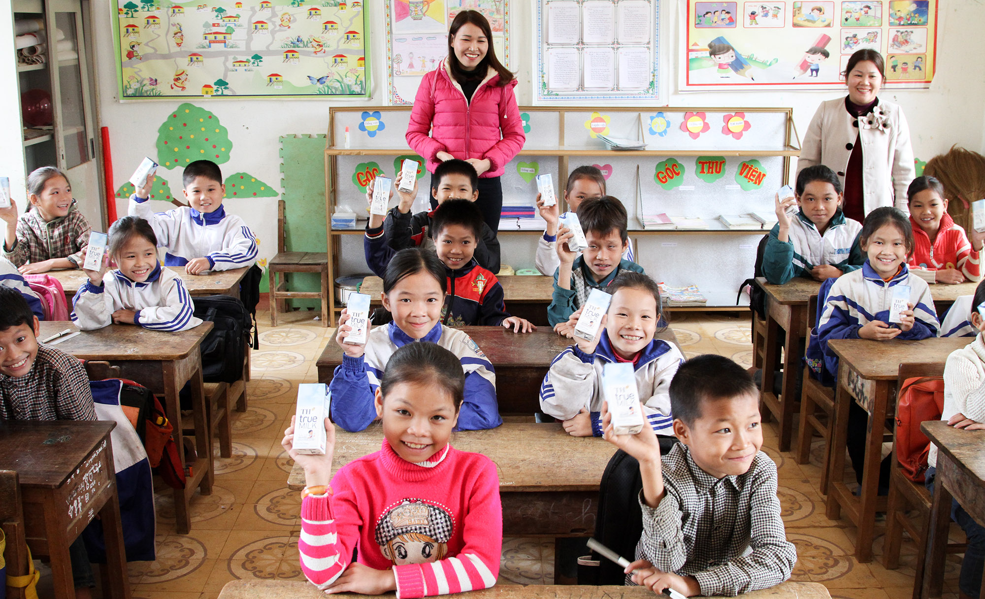 """""""Gùi""""sữa học đường lên vùng cao - Ảnh 3."""