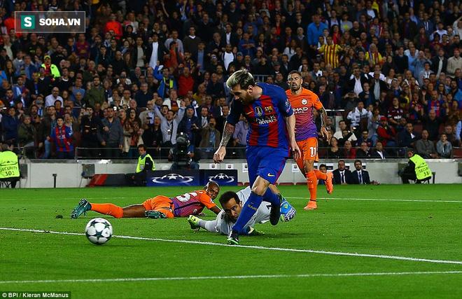 Messi vĩ đại biến thầy trò Pep Guardiola thành trò hề tại Nou Camp - ảnh 1