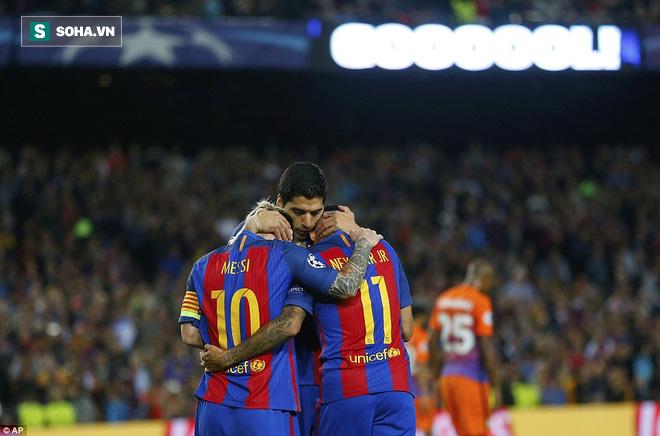Messi vĩ đại biến thầy trò Pep Guardiola thành trò hề tại Nou Camp - ảnh 10