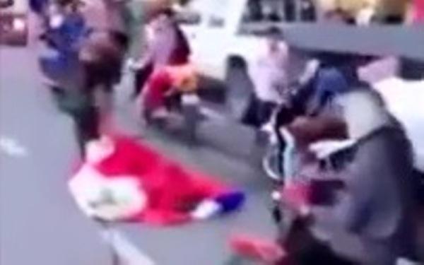 Gặp sự cố bất ngờ, lính dù Campuchia bị muối mặt ngay giữa đường phố đông đúc - ảnh 4