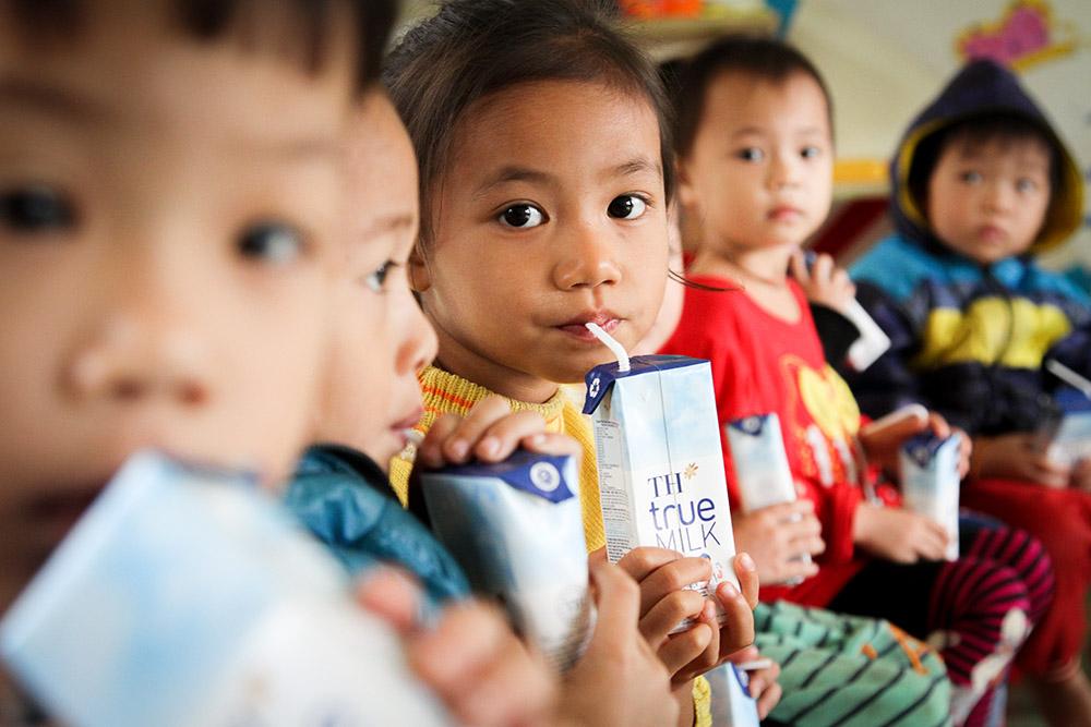 """""""Gùi""""sữa học đường lên vùng cao - Ảnh 8."""