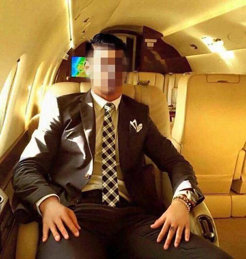 Nổ vang trời làm phi công, anh chàng bẽ bàng khi bị bóc phốt - Ảnh 4.