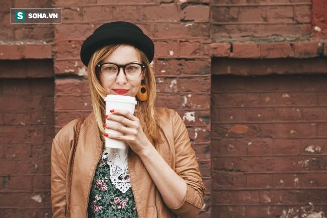7 điều rất hại sức khỏe tuyệt đối không nên làm khi vừa ngủ dậy - Ảnh 3.
