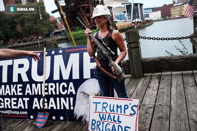 Không cam kết chấp nhận kết quả bầu cử, Trump kích động bạo lực? - Ảnh 1.