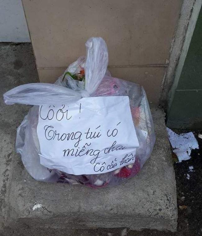 Chủ nhà không cho chàng trai tiếp tục thuê trọ sau khi mở túi rác ra thấy... - Ảnh 2.