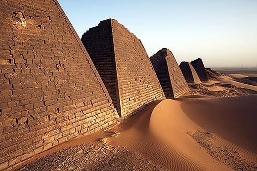 Những kim tự tháp bị lãng quên này hoành tráng không kém ở Ai Cập - Ảnh 2.