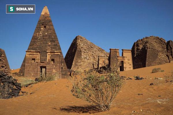 Những kim tự tháp bị lãng quên này hoành tráng không kém ở Ai Cập - Ảnh 1.