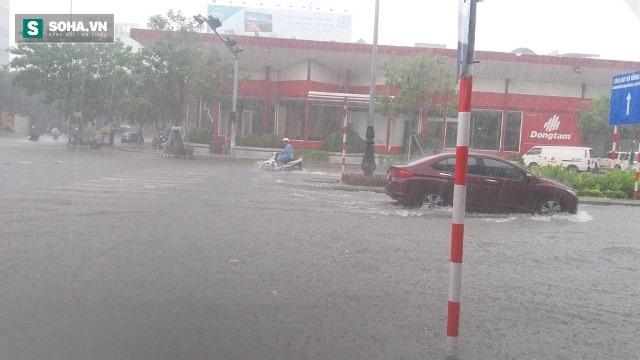 Thông tin mới nhất về cơn bão số 4 đổ bộ vào Quảng Nam-Bình Định - Ảnh 2.