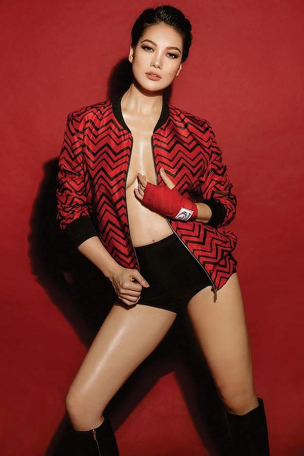 Hiếm khi thấy Trương Ngọc Ánh mặc bikini nóng bỏng như vậy - Ảnh 4.