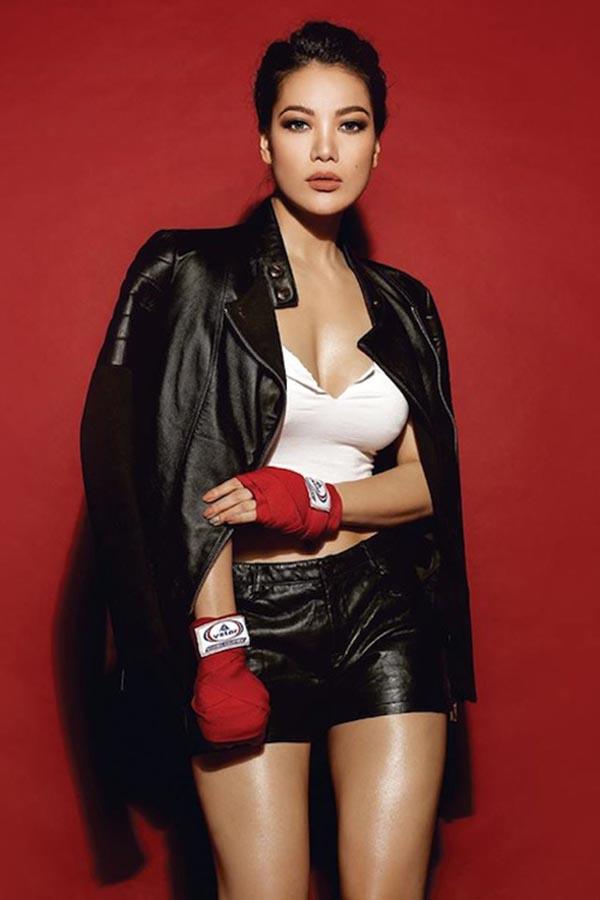 Hiếm khi thấy Trương Ngọc Ánh mặc bikini nóng bỏng như vậy - Ảnh 9.
