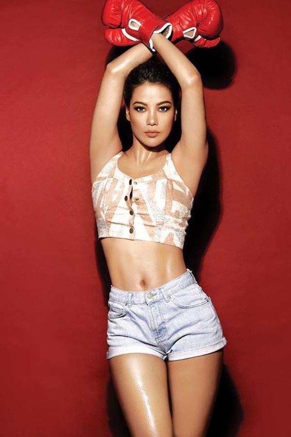Hiếm khi thấy Trương Ngọc Ánh mặc bikini nóng bỏng như vậy - Ảnh 7.