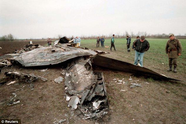 Máy bay, tên lửa hành trình không kích dồn dập: Iraq, Lybia,... đồng loạt sụp đổ - Ảnh 2.