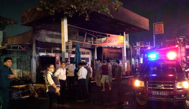 Hiện trường vụ cây xăng cháy lớn, nổ như bom ở Sài Gòn - Ảnh 5.
