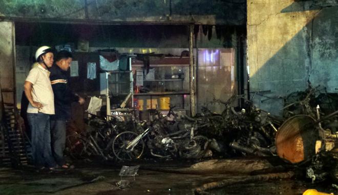 Hiện trường vụ cây xăng cháy lớn, nổ như bom ở Sài Gòn - Ảnh 10.