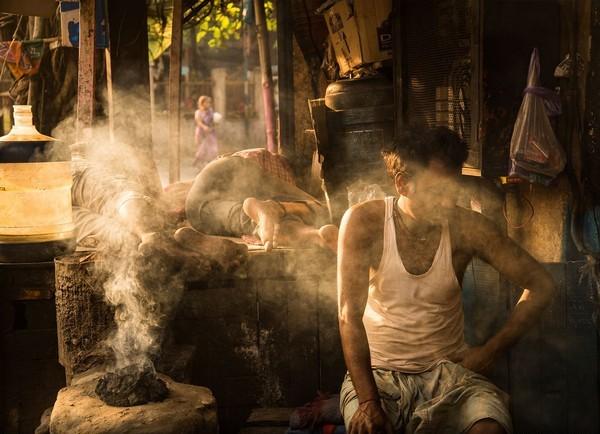 Người mang số phận nghèo khổ và sự thay đổi khiến thầy bói xấu hổ - Ảnh 2.